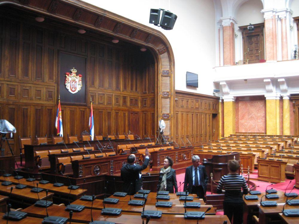 http://luc-jochimsen.de/images/2010/10/Parlament.jpg