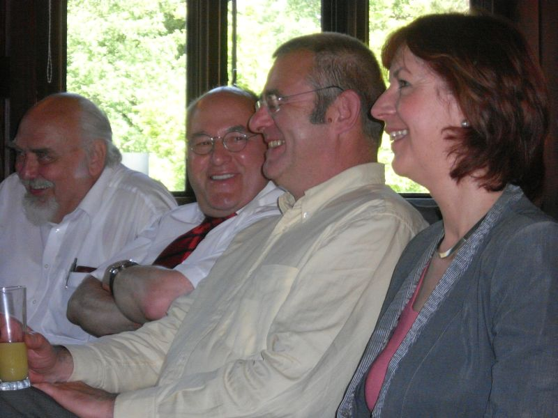 Die lachenden Vier v.l.n.r.: Manfred Coppik, Gregor Gysi, Dr. Ulrich Wilken, Kerstin Kaiser Gregor Gysi,