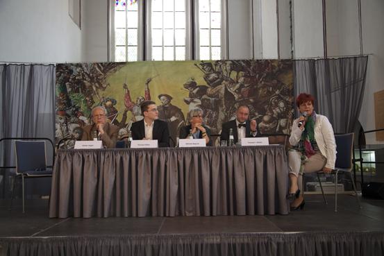 v.l.n.r.: Günter Vogler, Thomas Völker, Elfriede Begrich, Thomas T. Müller, Birgit Klaubert (Foto: Yves Harmgart)