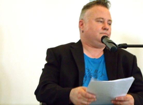 Der Schauspieler Lars-Krückeberg liest Texte von und über Moses Hess